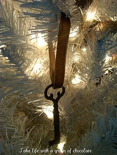 love old keys - ornament