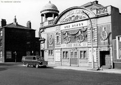 Salford cinema, chapel street 1973. Found at #Manchester History Revisited's facebook page. #cinema Abc Cinema, Cinema Theatre, Manchester Library, Portland Street, Rochdale, Street Image, Salford