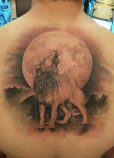 Howling Wolf Grey Ink 3D Tattoo On Back