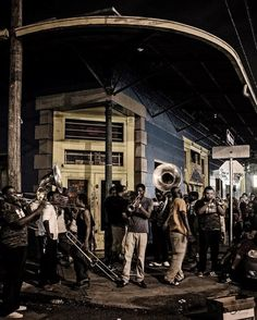 Throwback Thursday to that time I visited New Orleans! I love this place so much.... Such a fun quirky vibrant eclectic city! Can't wait to visit again  #throwbackthursday #tbt #neworleans #nola #sundayrenegade #jazz #igdaily #inspired #louisiana #dirtysouth #nikon #music #frenchquarter #mardigras #ilovenola by sundayrenegade