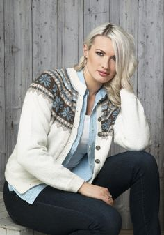 Olea Jakke - Viking of Norway Etnic Pattern, Knitting Patterns, Crochet Patterns, Alpacas, Clothing Patterns, Vikings, Knitwear, Vest, Sweaters