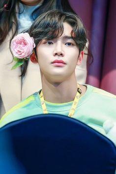 Most Beautiful Man, Beautiful People, Korean Drama Movies, Korean Actors, Sf 9, Youth Center, Actors Male, Drama Korea, Fnc Entertainment