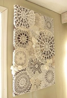 Quadros com toalhinhas de crochê - Framed crochet doilies