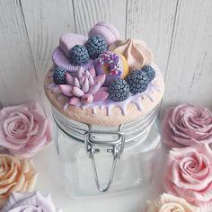 Polymer Clay Cupcake, Cute Polymer Clay, Polymer Clay Flowers, Polymer Clay Charms, Polymer Clay Creations, Diy Clay, Handmade Polymer Clay, Polymer Clay Jewelry, Clay Crafts