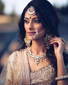 New indian bridal nose ring bollywood Ideas Indian Bridal Makeup, Indian Wedding Jewelry, Indian Bridal Wear, Pakistani Bridal, Indian Jewelry, Bridal Jewellery, Indian Bride Hair, Lehanga Bridal, Bridal Hijab