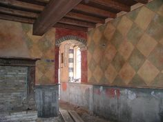 What actual medieval halls looked like...  Medieval Decoration   Italian Frescoes