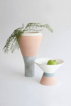 Stratus vase, by Valentina Carretta – Trendland Online Magazine Curating the Web since 2006 Ceramic Clay, Ceramic Pottery, Coral Pantone, Cerámica Ideas, Design Industrial, Beton Design, Decoration Inspiration, The Design Files, Ceramic Design