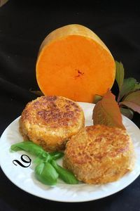 Galettes butternut & pommes de terre & curry - 97 Brunch Recipes to Make This Weekend Vegetarian Recipes Videos, High Protein Vegetarian Recipes, Vegetarian Appetizers, No Dairy Recipes, Low Carb Recipes, Vegan Recipes, Baking Recipes, Vegetarian Meals, Beginner Recipes