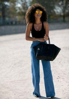 regatinha preta + calça jeans flare #fashion