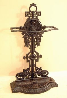 Victorian cast iron umbrella and cane stand This period antique English Victorian umbrella stand is in excellent condition depicting a cherub in a stand of grapes and grape vines Victorian Gothic Decor, Victorian Parlor, Victorian Life, Victorian Kitchen, Edwardian House, Victorian Furniture, Gothic House, Victorian Homes, Baker Street