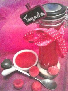 Dans votre panier : 20cl de creme liquide 25 fraises tagada A votre popotte : Mettre la crème à bouillir dans une casserole, après ébulition y incorporer les fraises et baisser le feu. Mélanger jusqu'à ce que les fraises aient fondu et le tour est joué....
