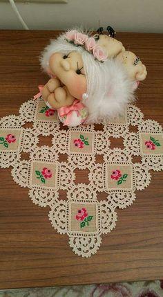 Handmade Crochet Cotton Lace Table Runner And Dresser Sca. Crochet Mandala Pattern, Crochet Headband Pattern, Crochet Fabric, Crochet Motifs, Crochet Quilt, Crochet Borders, Crochet Flower Patterns, Crochet Designs, Crochet Round