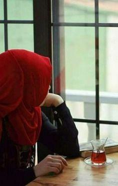What are commandments about dress in Islam for women? Stylish Hijab, Casual Hijab Outfit, Hijab Chic, Beautiful Muslim Women, Beautiful Hijab, Niqab Fashion, Muslim Fashion, Hijabi Girl, Girl Hijab