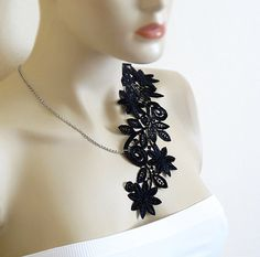 Black Lace necklace women accesories collar by selenayselenay #etsy #collarnecklace #lace