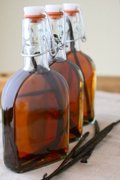 DIY vanilla extract recipe from Annie's Eats - Super easy. The only vanilla I use now...