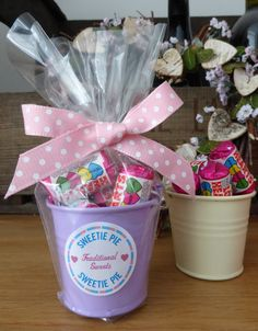 Sweet filled buckets / wedding favours/ Party favour / filled with Mini Lovehearts on Etsy, €2.85