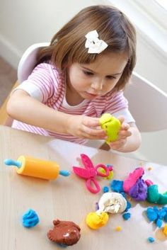 Activities to Promote Language for Autistic Preschooler (very basic article)