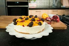 No-bake cheesecake van Ottolenghi Dark Chocolate Easter Eggs, Chocolate Orange, Cheer Cakes, Easter Brunch, Piece Of Cakes, Food Processor Recipes, Tasty, Sweets, Baking