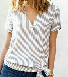 Related posts: Sewing clothes refashion ideas old sweater 55 ideas for 2019 New Sewing Clothes Lace Shirts 64 Ideas Trendy Sewing Hacks Ideas T Shirts 67 Ideas cosiendo ropa camisas de invierno Sewing Blouses, Sewing Shirts, Blouse Styles, Blouse Designs, Shirt Refashion, Clothes Refashion, Refashioned Clothes, Umgestaltete Shirts, Western Outfits