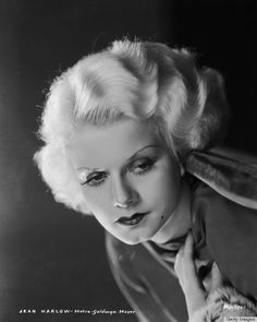 Jean Harlow. Getty Images. From 10 Screen Sirens Whose 1930s Hairstyles Took Our Breath Away. @HuffPost Style | Dana Oliver.