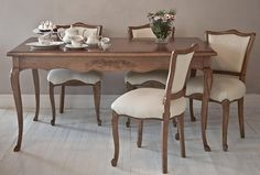 Dinning Set, Elegant Dining Room, Dining Table Chairs, Dining Room Design, Furniture Board, Fine Furniture, Furniture Decor, Luxury Chairs, Cool Curtains