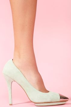 Bullet Platform Pump - Mint Suede - usually can't dig pointy toe shoes, but I'm making an exception.