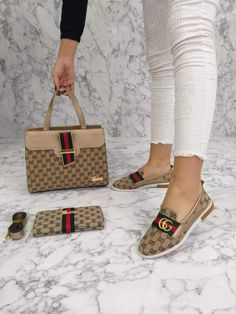 Louis Vuitton Monogram Cross Body Handles Handbag Canvas Speedy Bandouliere 35 Article: – The Fashion Mart Gucci Sneakers Outfit, Sneakers Fashion, Fashion Shoes, Fashion Outfits, Gucci Boots, Burberry Shoes, Gucci Handbags Outlet, Coach Handbags, Stepper