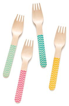 cute chevron picnic forks http://rstyle.me/n/ivy4mr9te