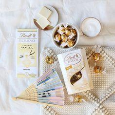 """Czekolada Lindt Polska on Instagram: """"Kochasz białą czekoladę? A czy znasz praliny LINDOR White lub czekoladę EXCELLENCE White Vanilla? Obie propozycje są tak samo kuszące 😊…"""" Lindt Lindor, Vanilla, Chocolate, Instagram, Food, Essen, Chocolates, Meals, Brown"""