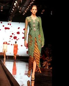 Jade green paired with trad sarong Kebaya Dress, Batik Kebaya, Batik Dress, Lace Dress, Kimono, Vera Kebaya, Dress Brokat Modern, Modern Kebaya, Model Kebaya Brokat Modern