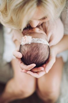 Newborn Photography A Mother's Love Pretty Baby Girl - Photography: Newborn - Bambina