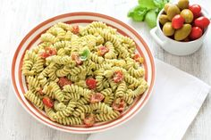 Pasta fredda, ecco 12 ricette facili e perfette per l'estate Food Therapy, Fusilli, Fett, Carne, Cooking Time, Pasta Salad, Ethnic Recipes, Estate, Soups