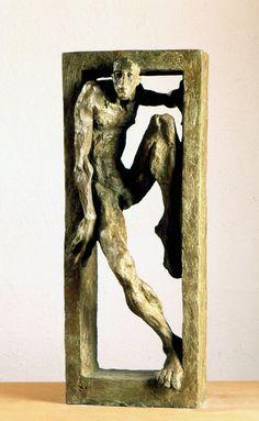 Aixopluc, escultura de Mercè Riba Shelter, sculpture by Mercè Riba Más