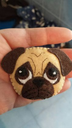 Felt Ornaments Patterns, Felt Crafts Patterns, Dog Ornaments, Dog Crafts, Cute Crafts, Felted Wool Crafts, Felt Mobile, Felt Dogs, Wool Embroidery
