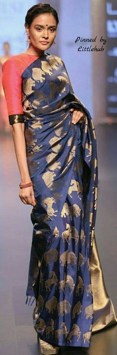Elephants and Horses woven on a silk sari! Indian Attire, Indian Ethnic Wear, Indian Dresses, Indian Outfits, Stylish Sarees, Elegant Saree, Traditional Sarees, Saree Styles, Haute Couture
