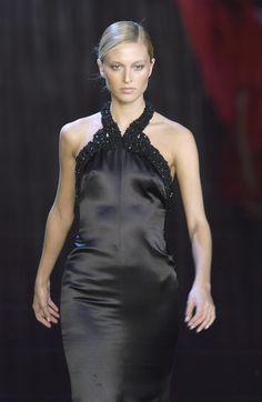 Valentino - Ready-to-Wear Fall / Winter 2003