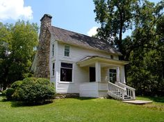 "The Laura Ingalls Wilder Home and Museum is building a new museum set to open next year! Help support the cause to make ""Laura Ingalls Wilder Pathways to the Past""."