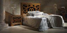Испанская мебель ручной работы > Дизайнерская мебель > Коллекция Классика > Лола Гламур (Испания) Кровать LG14142, тумбочка LG14151