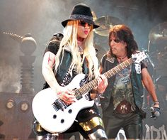 Orianthi / The Guitar Queen. Orianthi & Alice Cooper