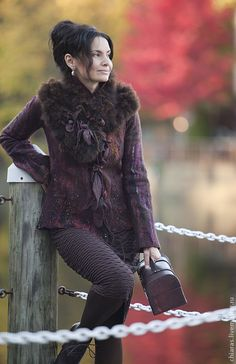 "Handmade felted jacket (hopefully not real fur) ""Wild Orchids"". Diy Fashion, Autumn Fashion, Womens Fashion, Fur Accessories, Jacket Style, Refashion, Pretty Outfits, Shabby, Wool Felt"