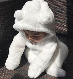 Baby clothes should be selected according to what? How to wash baby clothes? What should be considered when choosing baby clothes in shopping? Baby clothes should be selected according to … So Cute Baby, Baby Kind, Cute Baby Clothes, Cute Kids, Cute Asian Babies, Korean Babies, Cute Babies, Asian Kids, 1 Year Baby Gifts