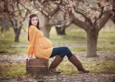 Love this maternity shot!