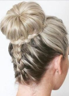 french braids are always loved by the girls and ladies. It's a perfect styling option for a romantic or fancy look. You will be amazed with our collection of 5 Different French Braids Hairstyles with Images 2018. all of them are perfect for all the seasons and ocasions.  Check these out now!  #... #hairstyles #hair #hairstylesideas
