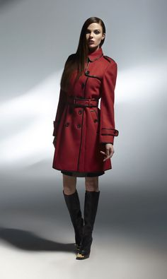 Okay maybe trench coats are creepy on men but on women they are just sexy! look at how gorgeous! SEC - Sexy Elegant Classy