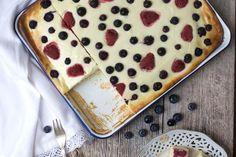 Sommerlicher Beeren-Quark-Blechkuchen