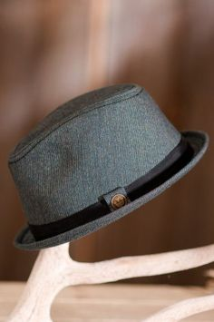 "Montana Goorin Brothers Fedora Hat, NAVY, Size MEDIUM (22 1/4"" = size 7 1/8) Goorin Bros.,http://www.amazon.com/dp/B00936NO8W/ref=cm_sw_r_pi_dp_DOD.rb1HZ3Z7AA2S"