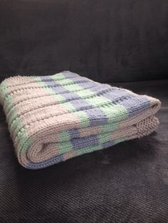 Knitting A Simple Striped Baby Blanket - Alaska Public Media Beginner Knitting Patterns, Knitting Projects, Knitting Ideas, Crochet Projects, Crochet Baby Blanket Free Pattern, Waffle Blanket, Knitted Baby Blankets, Knitted Afghans, Baby Afghans