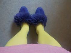 Fur Slides, Furs, Slippers, People, How To Wear, Vintage, Fashion, Moda, Sneakers
