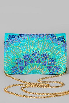 Azizah Embroidered Mini Clutch || http://www.francescas.com/product/mobile/azizah+embroidered+mini+clutch.do?sortby=ourPicks&page=2