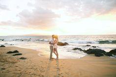 Photography : Anna Kim Photography    Photography : Ajja Of Anna Kim Photography Read More on SMP: http://www.stylemepretty.com/destination-weddings/hawaii-weddings/2016/03/20/romantic-surprise-hawaiian-beach-proposal/